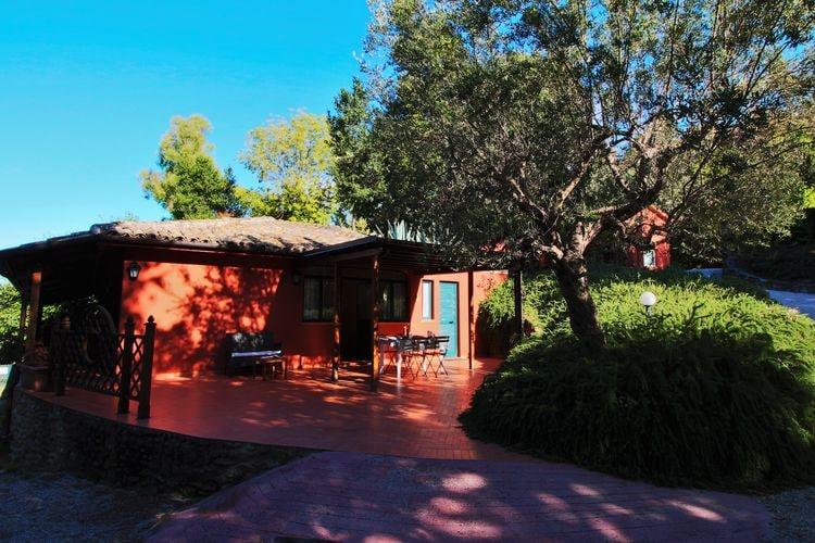 Abruzzo Vakantiewoningen te huur Appartement met zwembad, tussen zee en bergen, restaurant, wifi