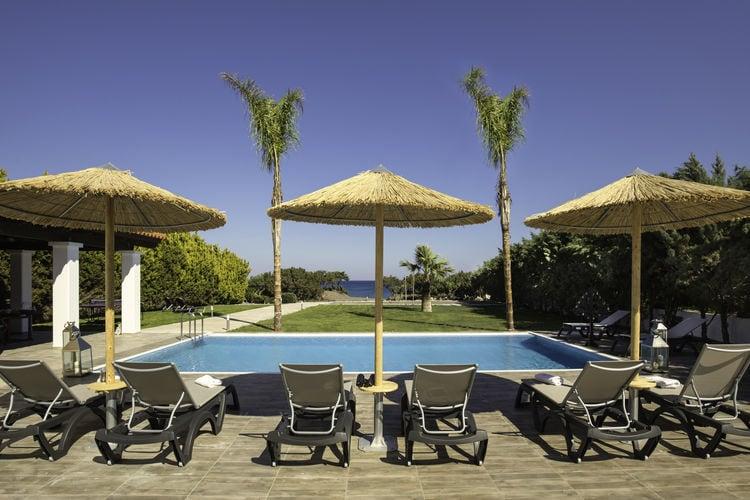 Villa met zwembad met wifi  South Rhodes  Nieuwe mooie luxe villa direct aan het strand, privé zwembad, Zuid-Rhodos
