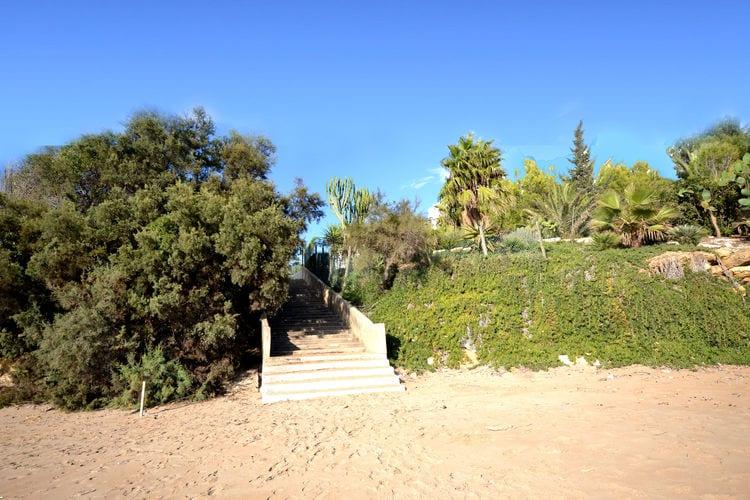 Vakantiewoning    Sciacca  Zonnig vakantieappartement op enkele meters van het strand en de Siciliaanse zee