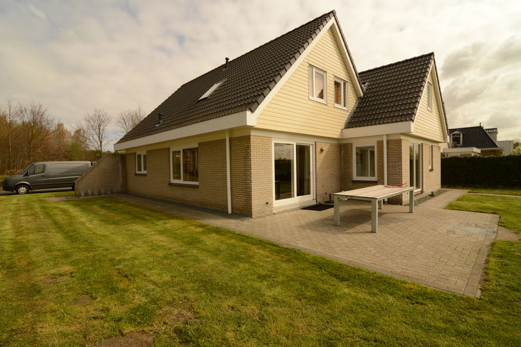Luxe vakantievilla op mooie buitenplaats in Zeewolde, Flevoland