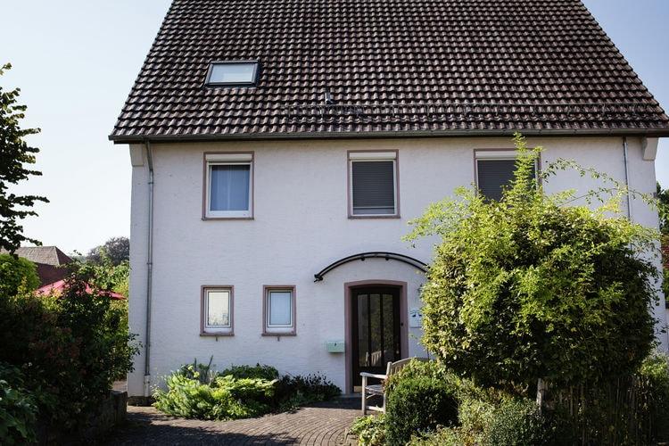 Teutoburgerwoud Appartementen te huur 4-sterren vakantiewoning in het Teutoburger woud met terras, tuin en sauna.