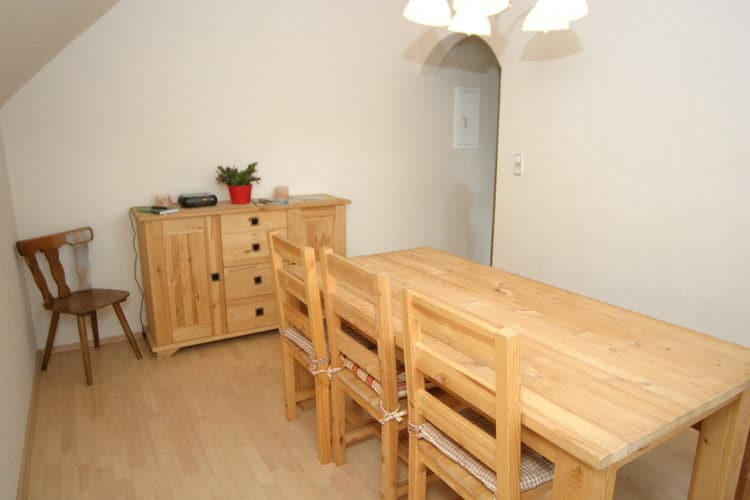 Ref: AT-8764-01 3 Bedrooms Price