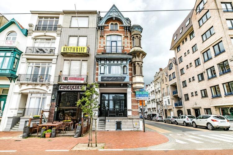 Blankenberge Vakantiewoningen te huur Prachtig voormalig belle epoque hotel aan de jachthaven van Blankenberge