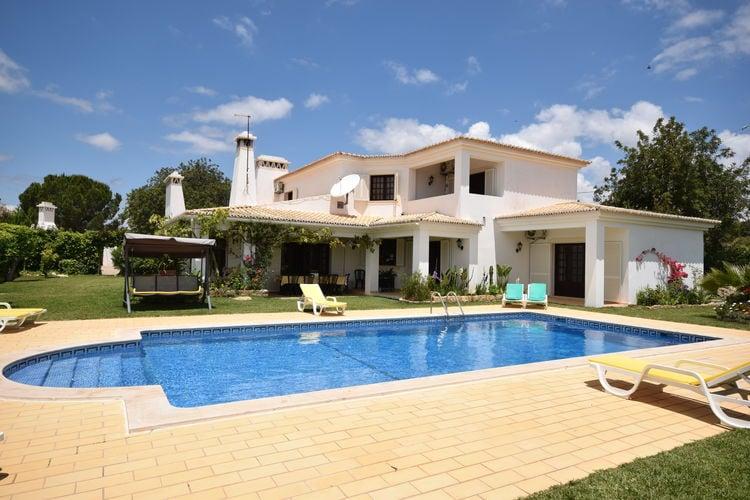 Albufeira Vakantiewoningen te huur Mooie ruime Villa met zwembad nabij Ferreiras en op 10 min Albufeira centrum.