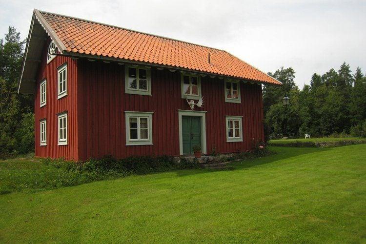 Vakantiewoning huren in  Zweden -   met wifi  voor 8 personen  De ligging van deze typisch Zweeds..
