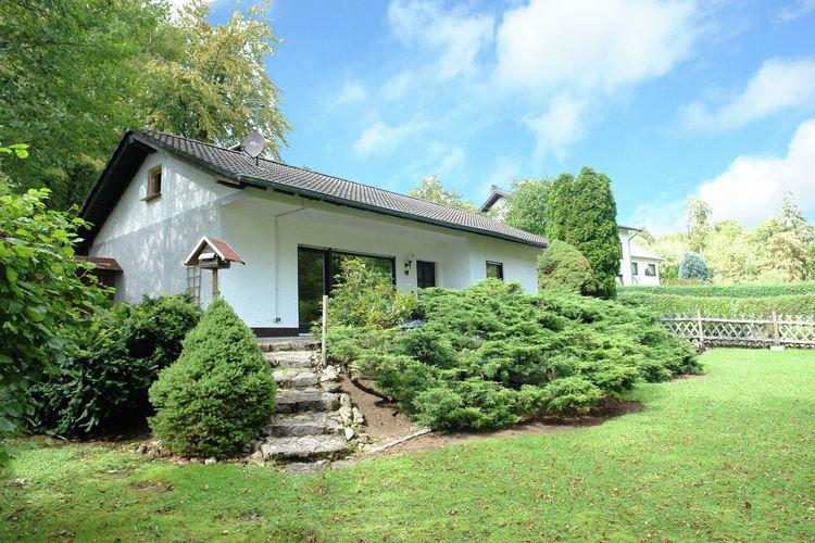 Bungalow  met wifi  Feusdorf  Vrijstaande bungalow direct aan de rand van het bos in de Eifel.