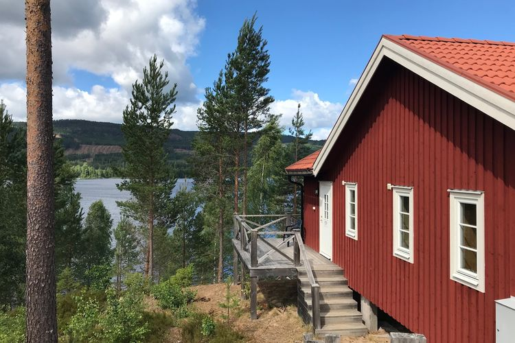 Zweden Vakantiewoningen te huur Exclusieve vakantiewoning aan het sprookjesachtige meer Övre Brocken