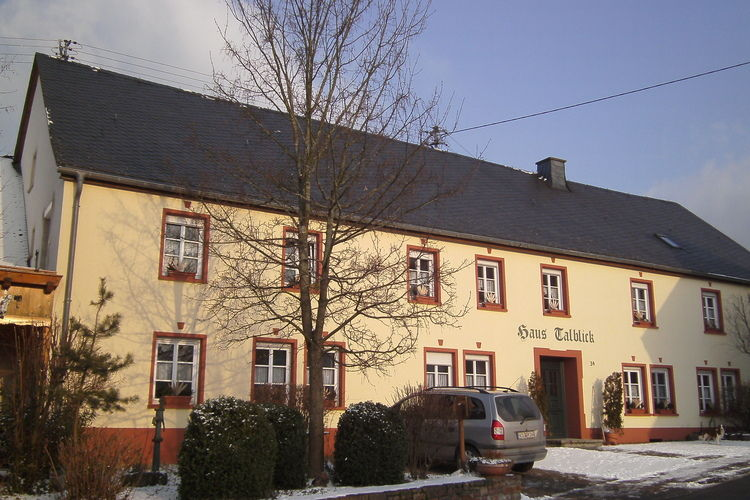 Appartementen Duitsland | Hunsruck | Appartement te huur in Morbach-Riedenburg   met wifi 2 personen