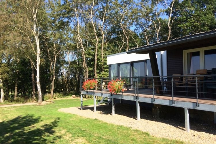 Vakantiewoning  met wifi  Elsenborn  Groepschalet met veel ruimte, grote tuin en welnessfaciliteiten
