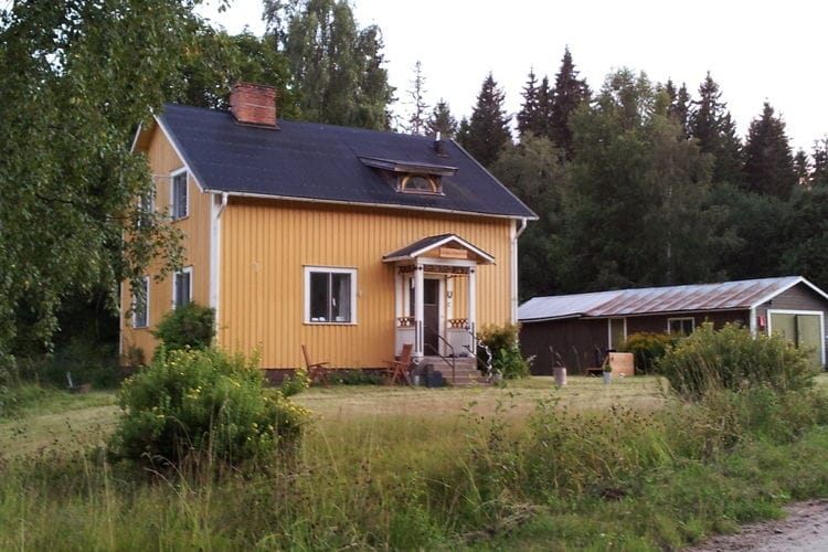Zweden Vakantiewoningen te huur Vrijstaand huis aan de rand van het bos.