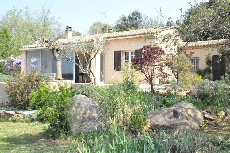 Vakantiehuis met zwembad met wifi  La-Capelle-et-MasmoleneEntre garrigue et château