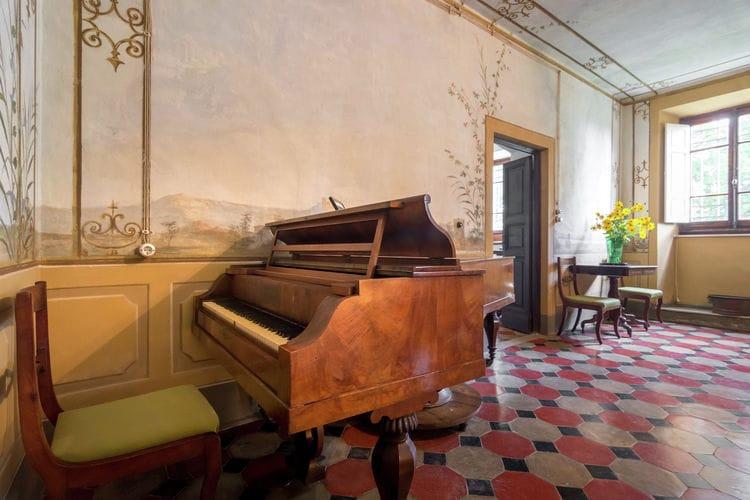 Vakantiehuizen Italie   Toscana   Villa te huur in Rignano-sullArno met zwembad  met wifi 14 personen