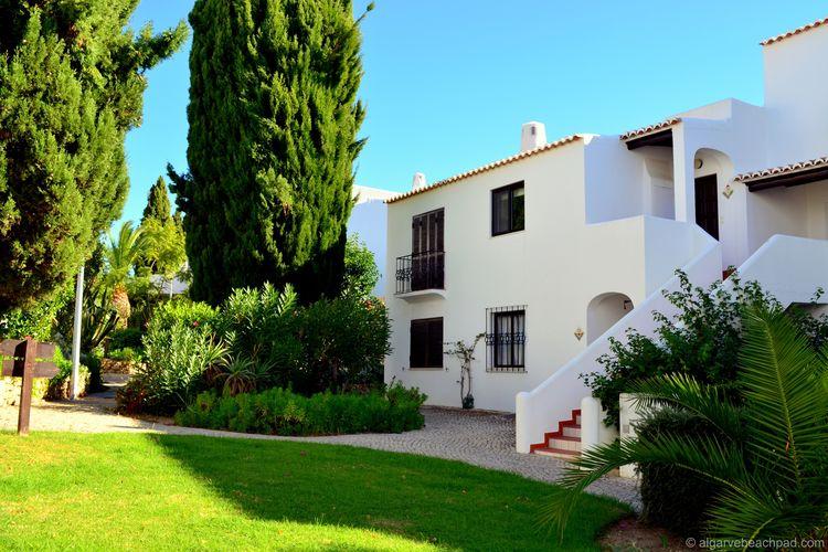 Albufeira Vakantiewoningen te huur Appartement met zeezicht op loopafstand van strand, zwembad en Albufeira