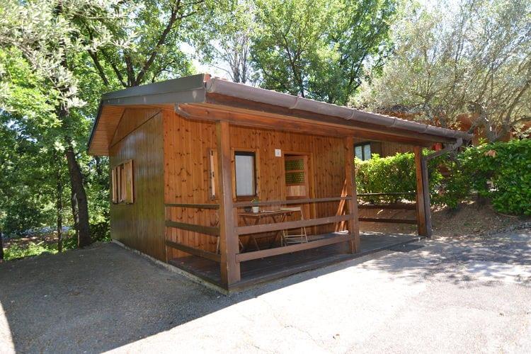 Emilia-Romagna Chalets te huur Chalet op een vakantiepark met oa. zwembad, op ca. 5 autominuten van San Marino