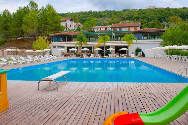 Campania Appartementen te huur Appartement op een eenvoudig vakantiepark dichtbij zee