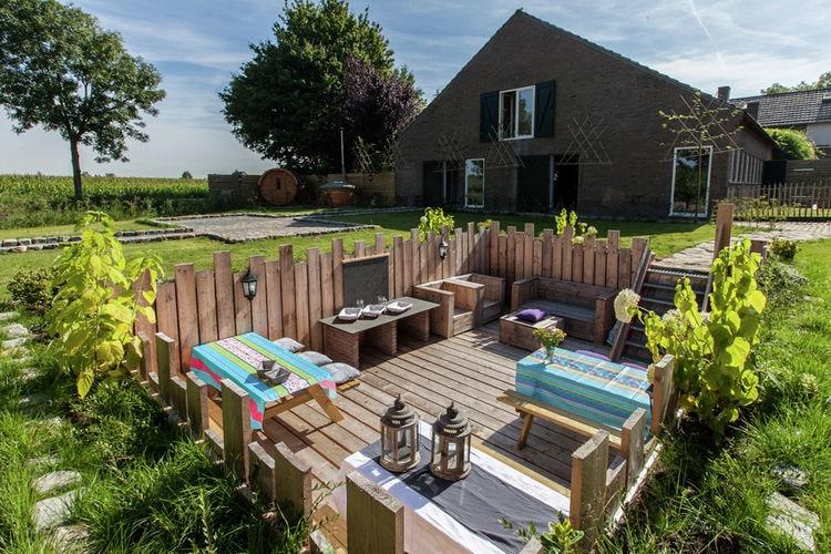 Nederland | Noord-Brabant | Boerderij te huur in Ravenstein   met wifi 24 personen