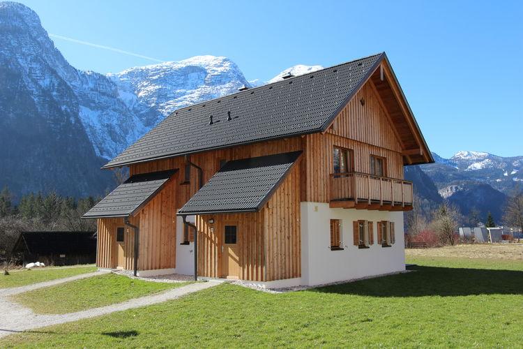 Luxe chalet aan de oever van de Hallstättersee in Obertraun