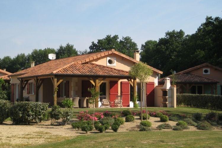 Frankrijk | Pays-de-la-loire | Villa te huur in Les-Forges met zwembad  met wifi 4 personen