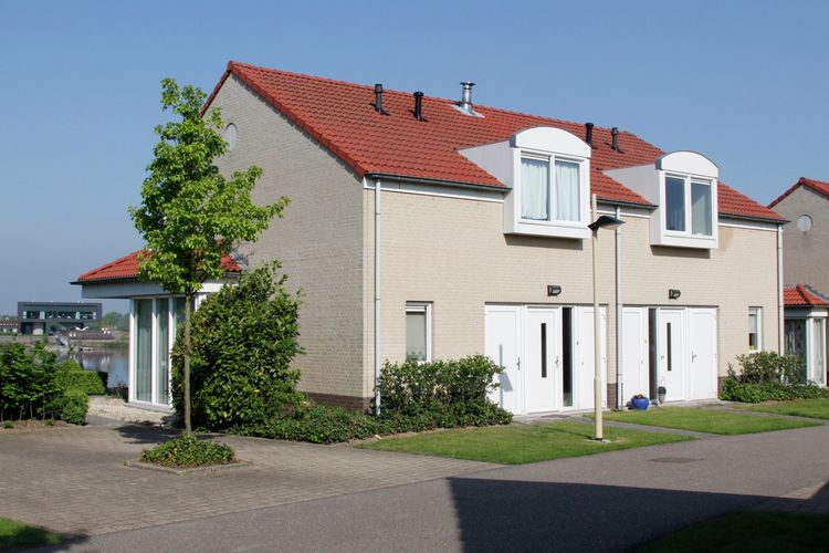 Vakantiewoning  met wifi  Heel  Maaspark Boschmolenplas - Havenblik