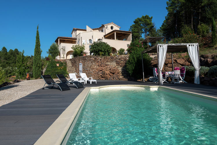 Ardeche Appartementen te huur Woning gelegen op een heuvel, met prachtig uitzicht en gedeeld zwembad