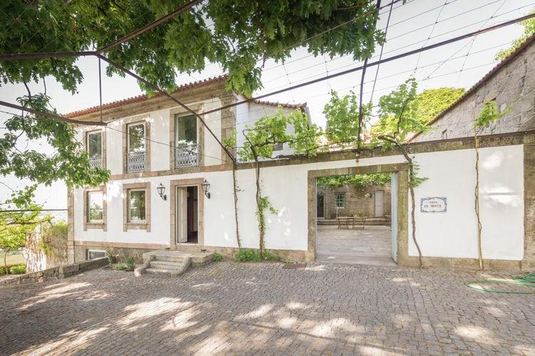 Porto Vakantiewoningen te huur Charmant, comfortabel 18e eeuws landhuis met privézwembad en tuin