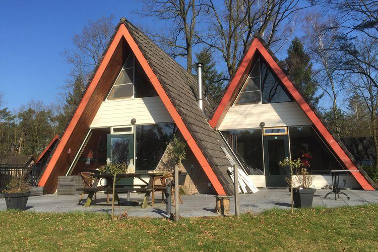 Vakantiewoning  met wifi  Stramproy  Vosvilla comfort bungalows gelegen aan het ven of in het bos.