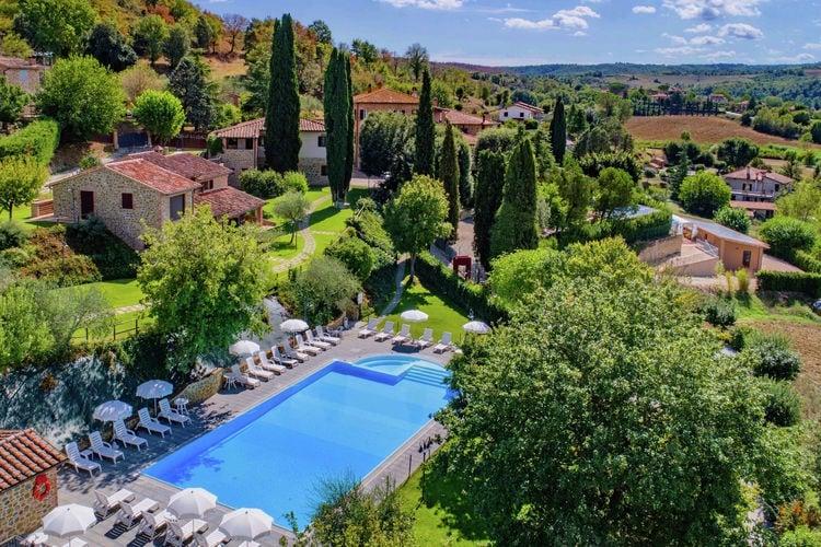 Vakantiehuizen Italie | Umbrie | Boerderij te huur in Citta-Della-Pieve met zwembad  met wifi 8 personen
