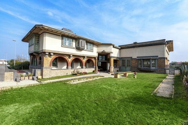 MIDDELKERKE Vakantiewoningen te huur Monumentale art-deco-villa in beschermd duingebied op 50 meter van zee