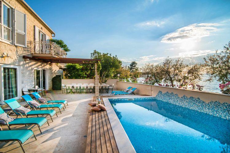 Villa Kroatië, eld, Supetar Villa HR-21400-14