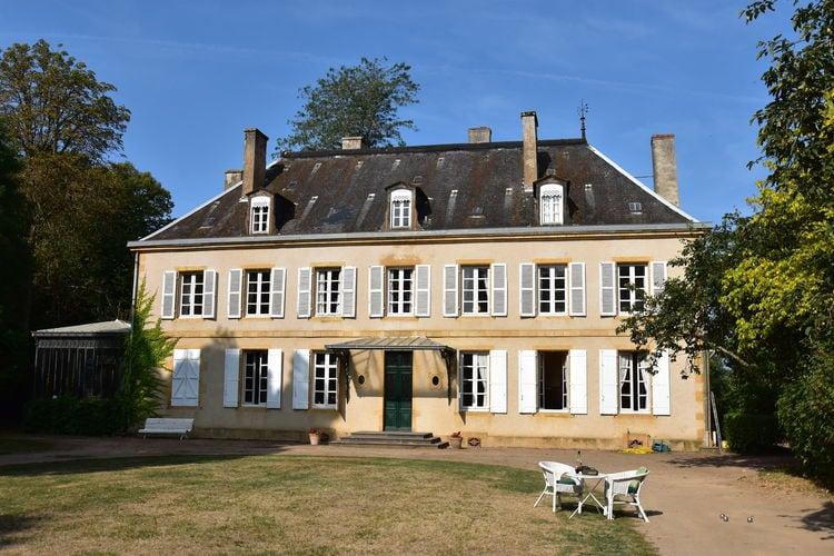 Vakantiehuizen Frankrijk | Bourgogne | Vakantiehuis te huur in Saint-Aubin-sur-Loire met zwembad   15 personen