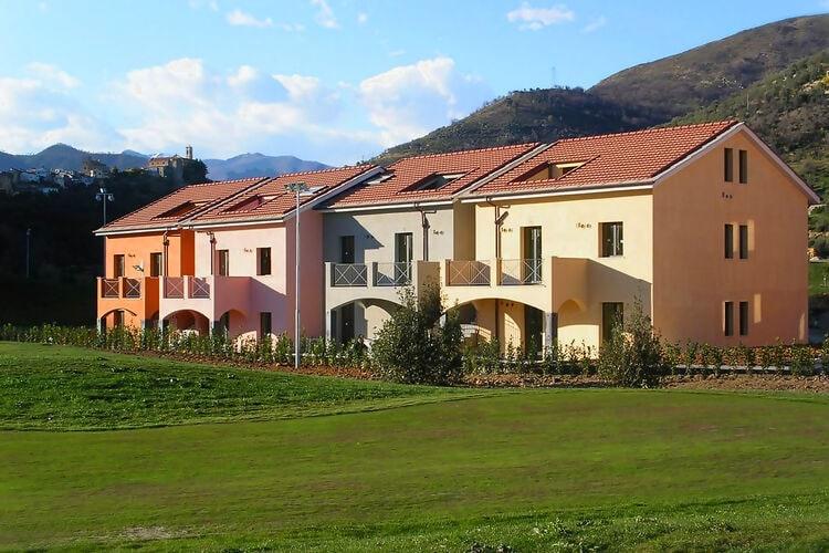 Appartement met zwembad met wifi  CastellaroCastellaro Golf Resort 1