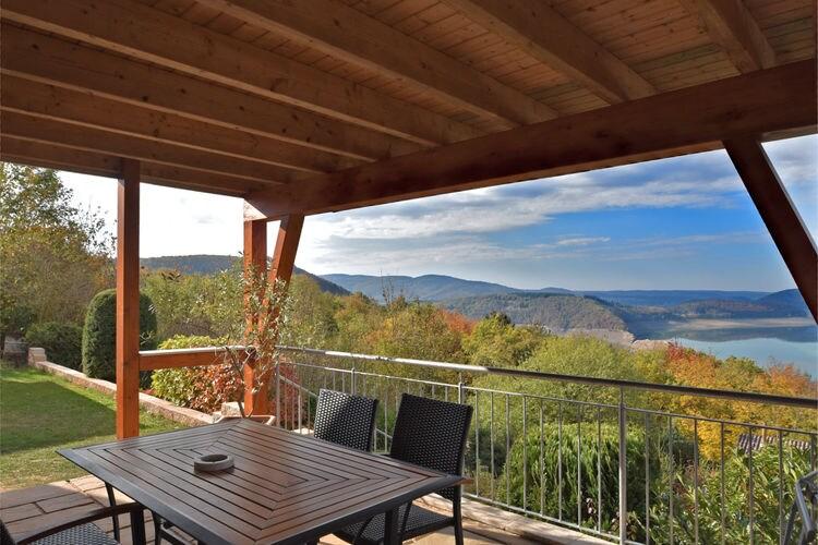 Waldeck Vakantiewoningen te huur Mediterraan appartement met houtkachel, terras en prachtig uitzicht op de Edersee