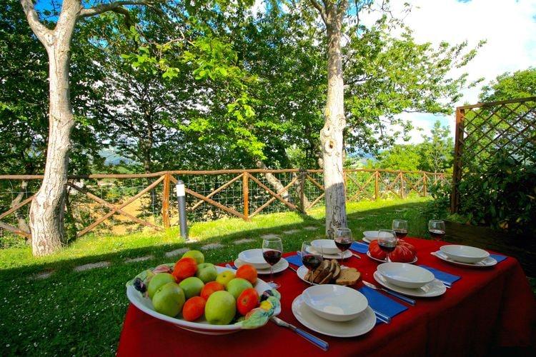 Vakantiehuizen Italie | Marche | Boerderij te huur in Cagli met zwembad  met wifi 2 personen