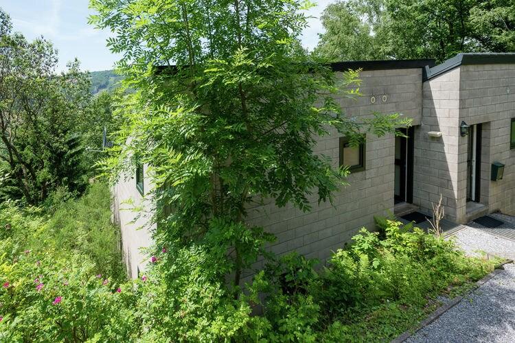 Vakantiewoning    Coo  Sfeervolle bungalow met een ruim terras en prachtig uitzicht over de vallei
