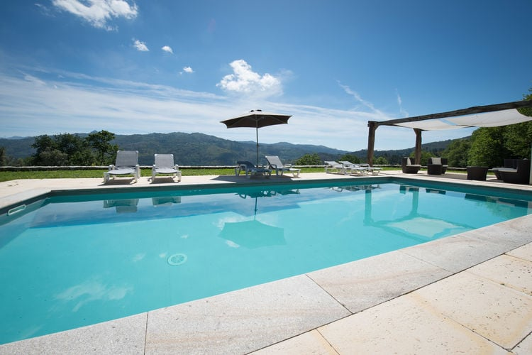 Vakantiewoning met zwembad met wifi  Ponte da Barca  Ruim en licht appartement met spectulair uitzicht op natuurreservaat