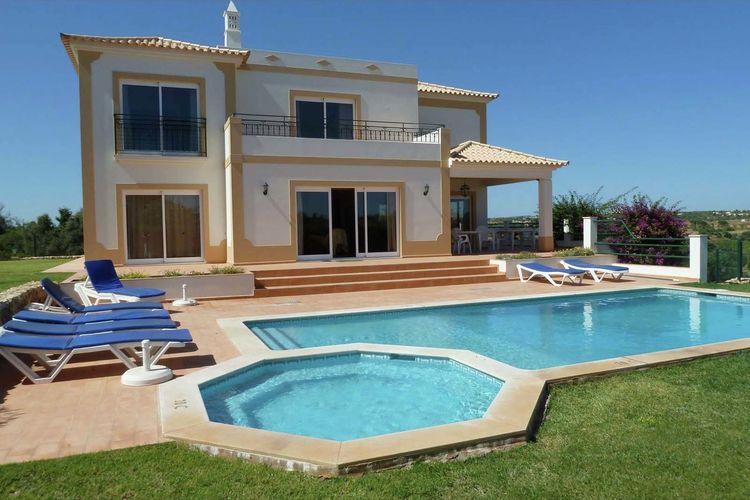 Villa huren in Albufeira - met zwembad   met zwembad voor 8 personen  De ruime villa Casa Adao ligt in h..