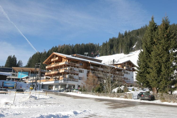 Panorama Chalet 10 - Exterior - Winter
