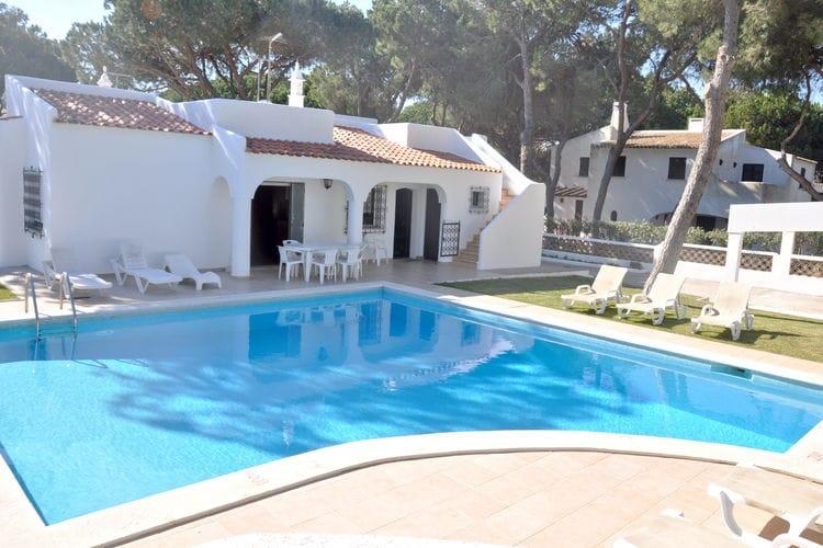 Portugal   Algarve   Villa te huur in Vilamoura met zwembad  met wifi 8 personen