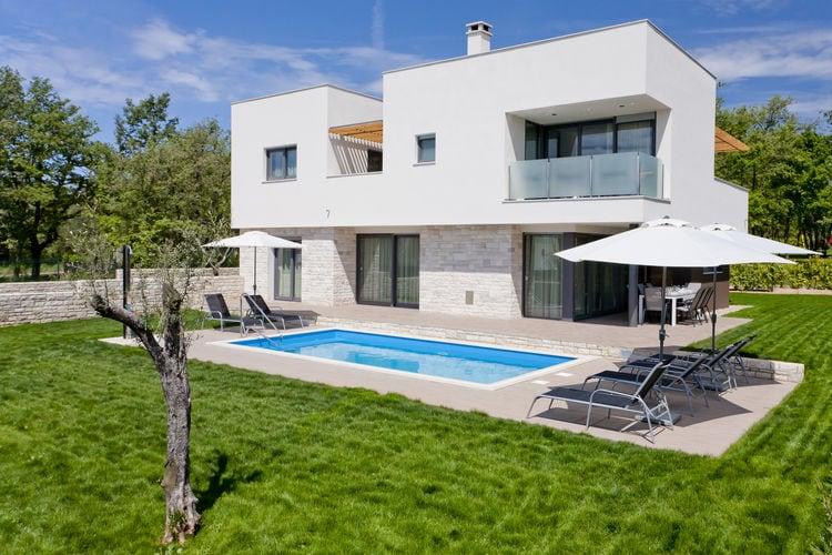 Novigrad Vakantiewoningen te huur Villa met privé zwembad, in rustige woonwijk op slechts 400 m van de zee