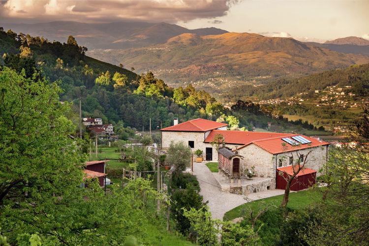 Vakantiewoning met zwembad met wifi  Ponte da Barca  Ruim, sfeervol appartement met uitzicht op natuurreservaat Peneda-Geres