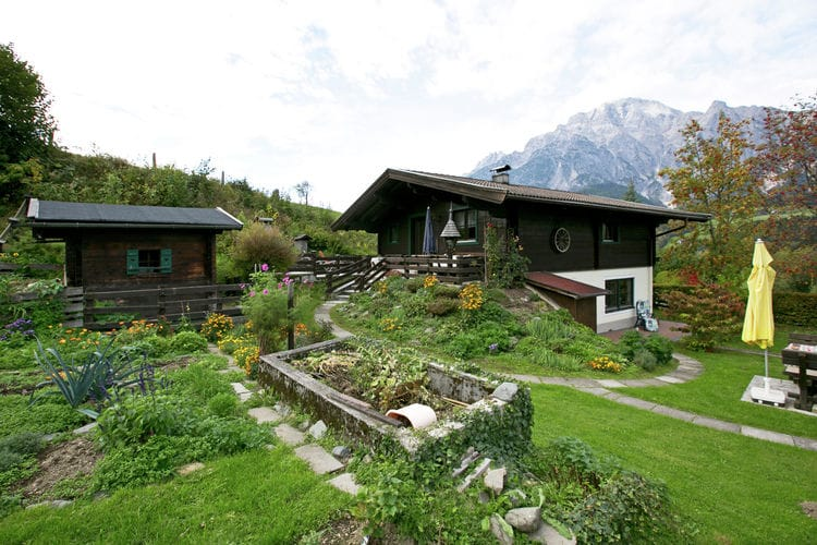 Chalet Madreit - Garden - Summer