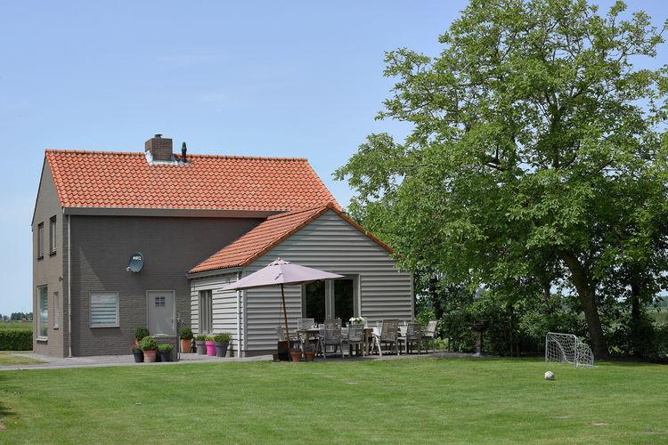 Sfeervol ingericht vakantiehuis met landelijke ligging, op 5km afstand van zee