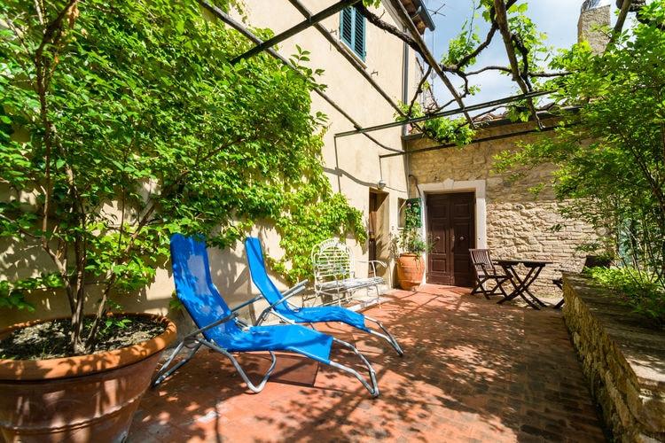 Vakantiewoning  met wifi  Montecastelli Pisano  Prachtig appartement met tuin in schattig dorpje met adembenemend uitzicht