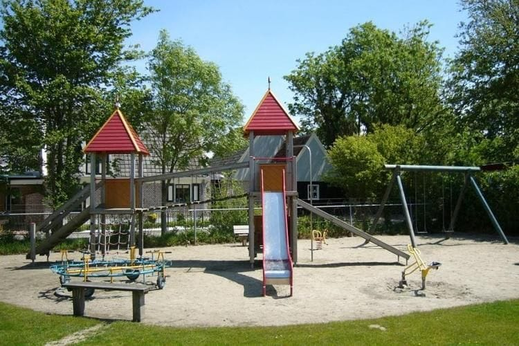 Holland | North Sea Coast North | Holiday home Recreatiepark Wiringherlant - Anno Nu XL | all year | AreaSummer1KM