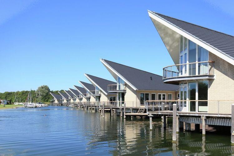 Zeeland Villas te huur Fraai ontworpen Watervilla's met eigen aanlegsteiger, gelegen op park direct aan het Veerse Meer