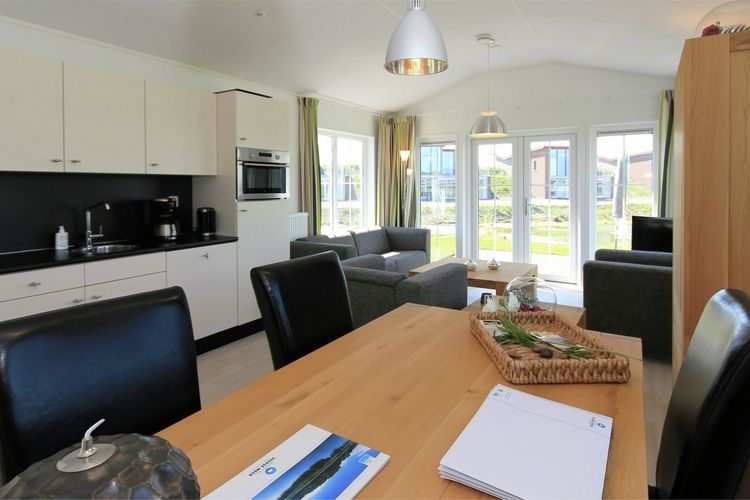 Holland | Zeeland | Holiday home Waterpark Veerse Meer - Cottage Comfort 4 | all year | LivingRoom