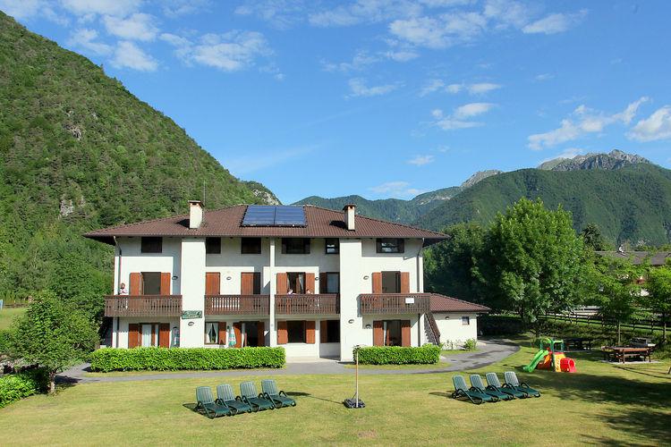 Vakantiehuizen Italie | Italiaanse-Meren | Appartement te huur in Ledro   met wifi 6 personen
